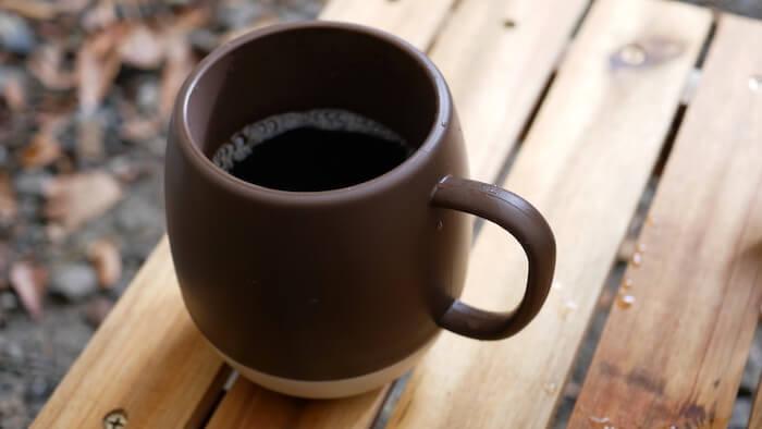 セリア 保温効果があるマグカップ プラウン&アイボリー