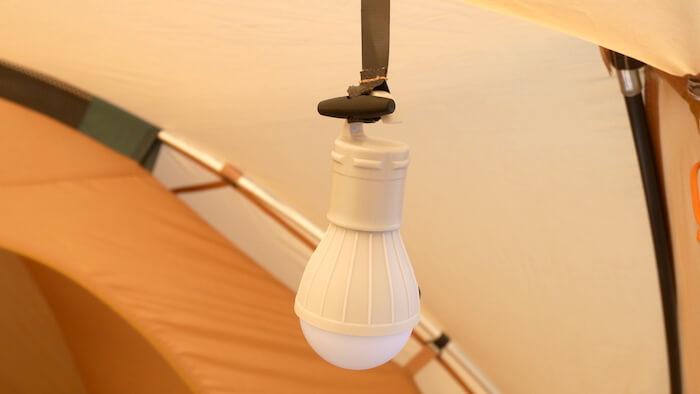 ダイソー 電球型ライト